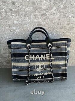 Authentique Chanel Deauville Tote Grande Condition De Menthe