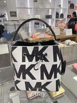 Michael Kors Suri Grand Sac À Dos Sac Signature Logo Graphique Noir Blanc