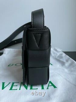 Nouveau Sac Authentique Bottega Veneta Black Cassette Crossbody $2100