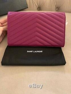 Saint Laurent Ysl Grande Enveloppe Chaîne En Cuir Wallet Sac Bandoulière Violet Nwt
